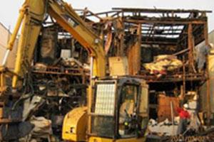 火災現場の解体工事