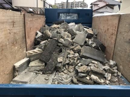 名古屋市千種区のブロック塀撤去工事|解体中