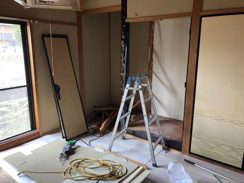 内装解体 間仕切り壁の撤去