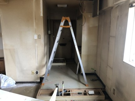 間仕切り壁撤去|名古屋市中川区の美容室の現状復旧