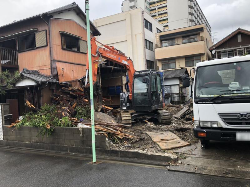 名古屋市中村区の木造2階建て解体工事【庭石、ブロック塀あり】