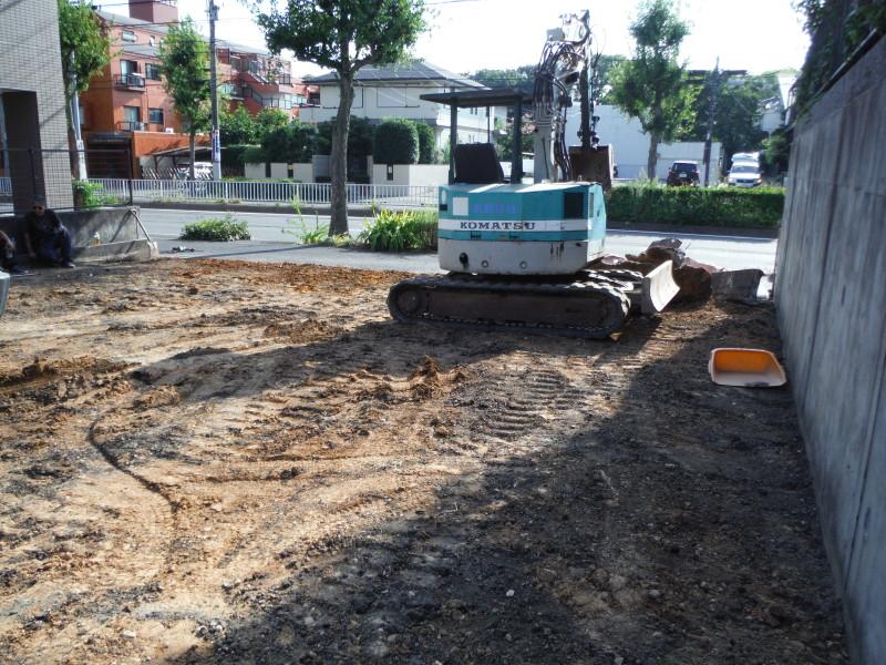 名古屋市瑞穂区のアスファルト舗装の解体工事