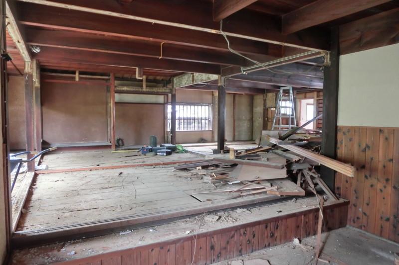 春日井新の戸建の内装解体スケルトン工事