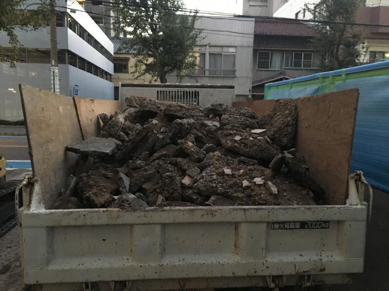 積み込み完了|名古屋市西区の土間コンクリート撤去