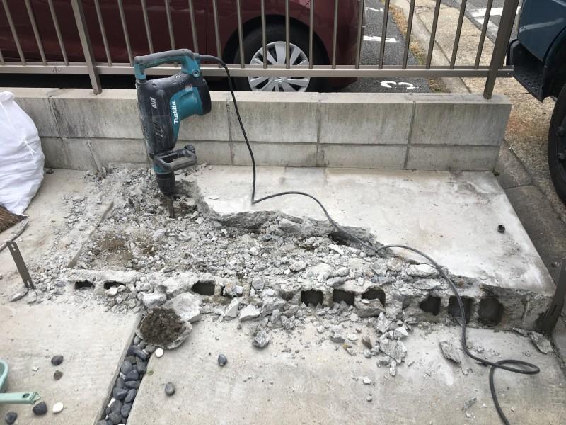 名古屋市南区の土間コンクリート撤去中