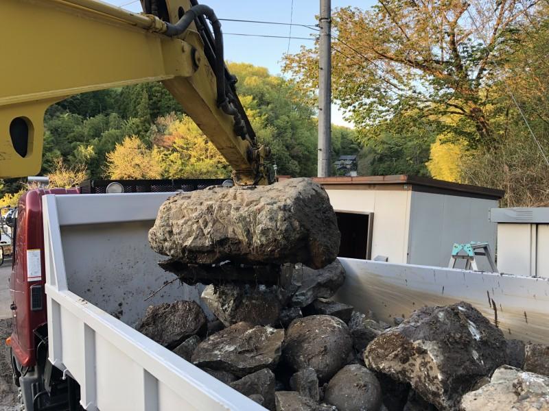 庭石の撤去積込作業|名古屋市守山区