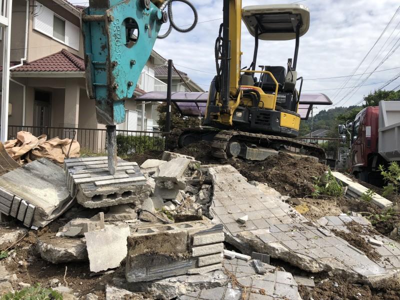 岐阜県可児市|庭の解体|駐車場の拡張|コンクリートはつり