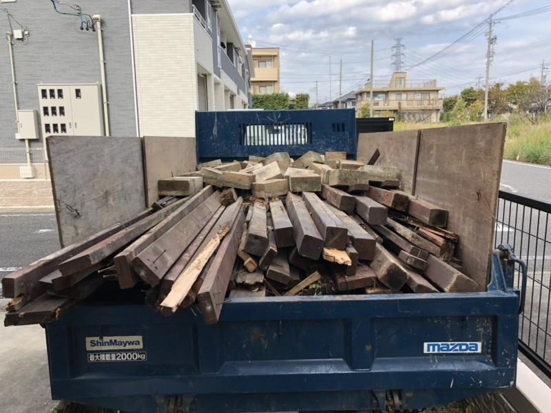 ウッドデッキ解体工事|みよし|廃材積み込み