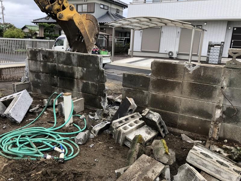 江南市ブロック塀撤去|解体中