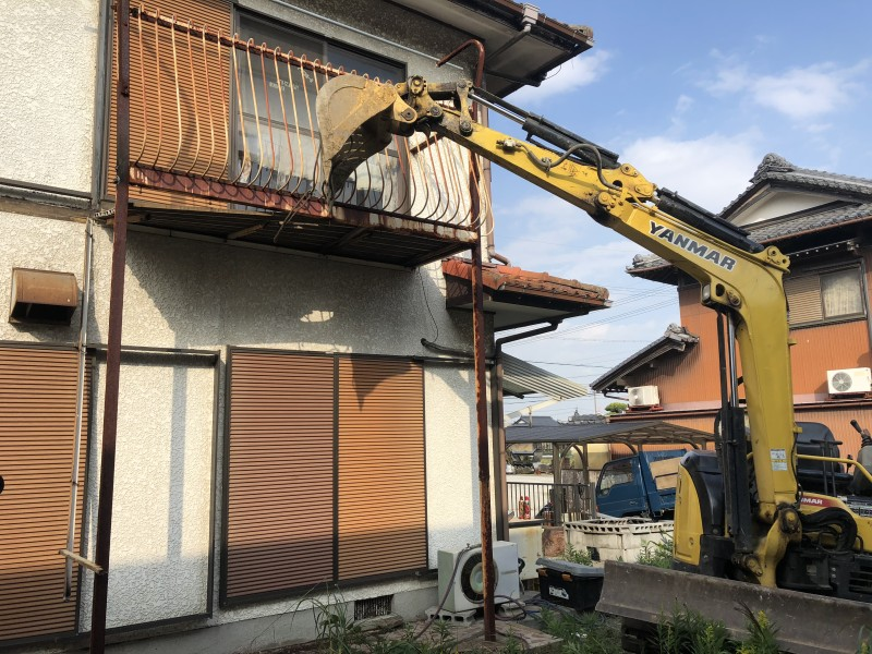 ベランダ解体工事 岐阜市 残り半分を撤去