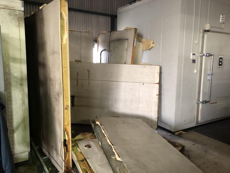 冷蔵庫の撤去|撤去中
