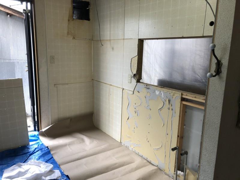 キッチン解体|施工中