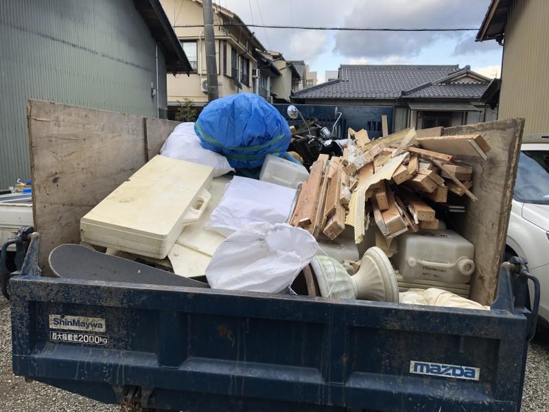 キッチン解体|廃材積み込み