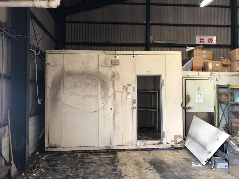 解体前|名古屋市守山区|業務用冷蔵庫の解体