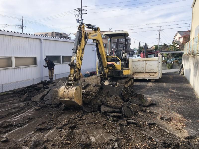 名古屋市名東区アスファルト舗装撤去