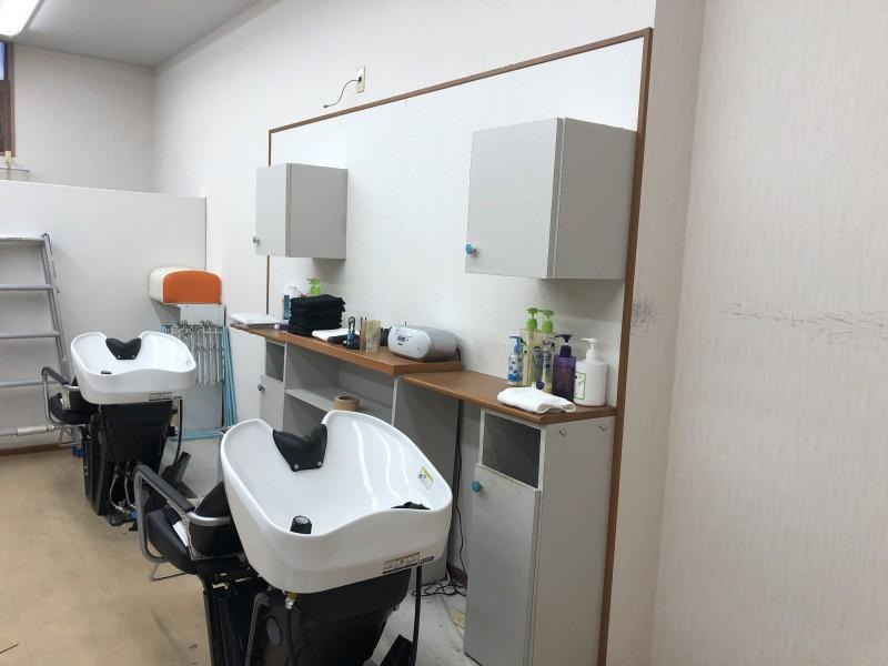内装解体|美容院の現状復旧|シャンプー台