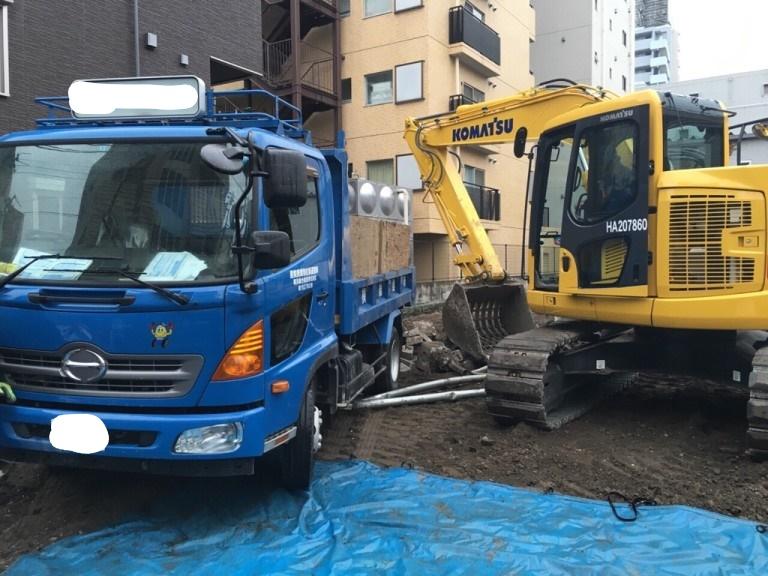 積み込み|名古屋市千種区のアスファルト舗装撤去