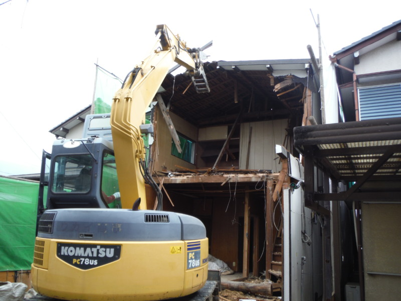 名古屋市北区の木造2階建て住宅の解体工事