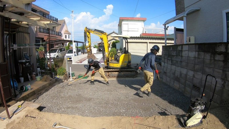 愛知県春日井市の駐車場の砂利敷き