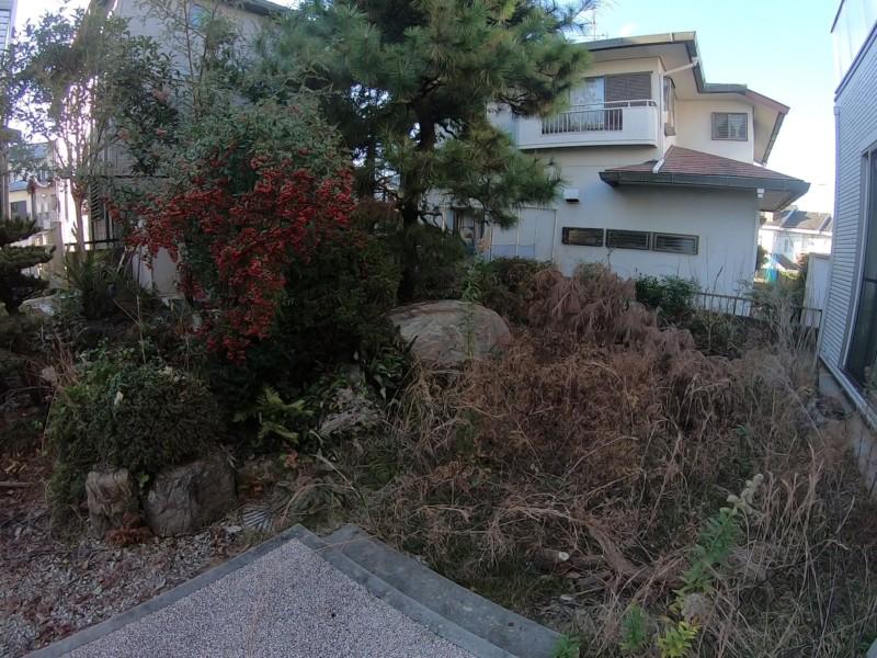 名古屋市緑区お庭の解体工事【大きな庭石と庭木を全撤去】